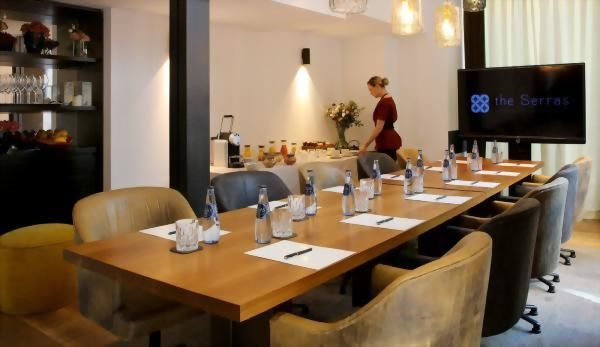 The Serras Hotel Barcelona – Informal